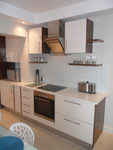 HH Joinery and Carpentry Kitchens